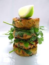 skin friendly salmon burgers pic